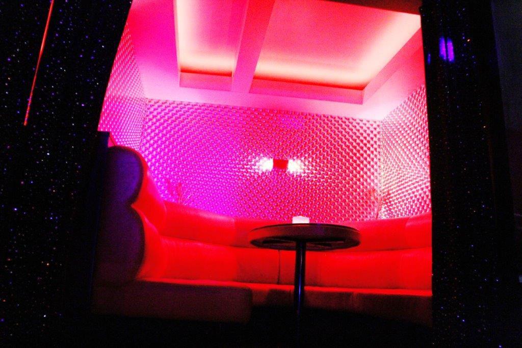 Prive Vipp Club Meerbeke Belgie bar relax vrouwen