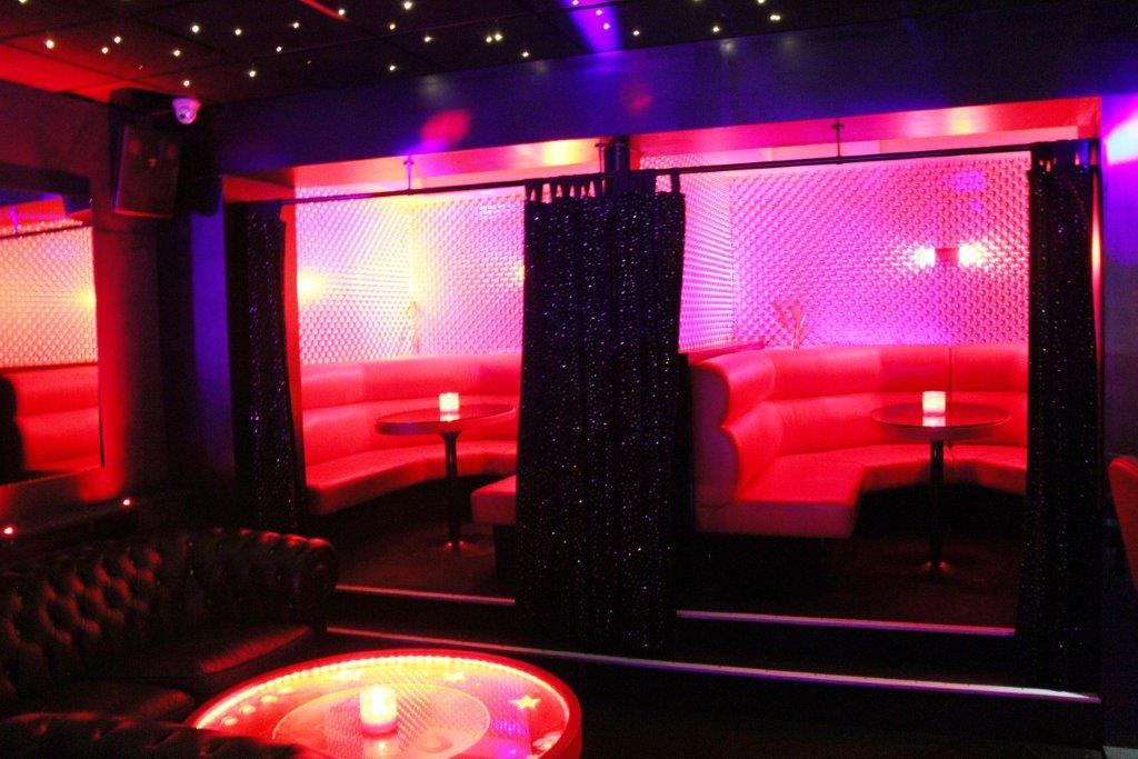 Bar prive Vipp Club Meerbeke Belgie massage vrouwen
