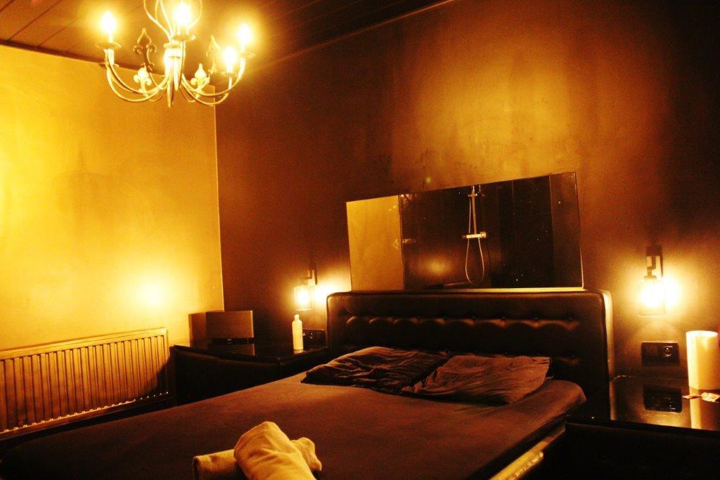 relax room massage Vipp Club Meerbeke Belgium private bar