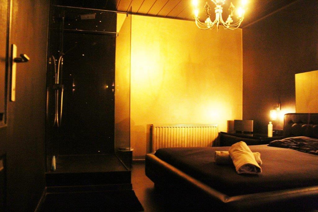 room massage Vipp Club prive bar