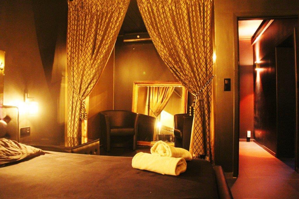 Chambre massage relax Vipp Club Meerbeke Ninove prive bar