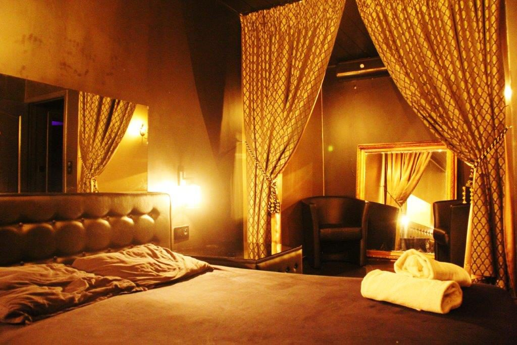 Chambre relax massage Vipp Club Meerbeke Ninove prive bar