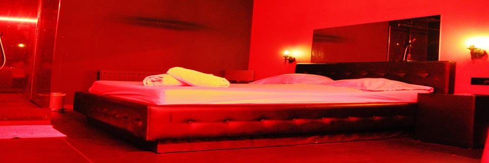 prive vipp club erotica girls rooms